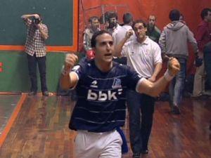 Juan Martinez de Irujo triumphant