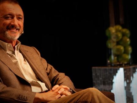 Perez Reverte, iRedes kongresuaren amaiera ekitaldian.