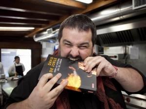 David de Jorege y el libro 'Con la comida no se juega', Foto: Luis Michelena