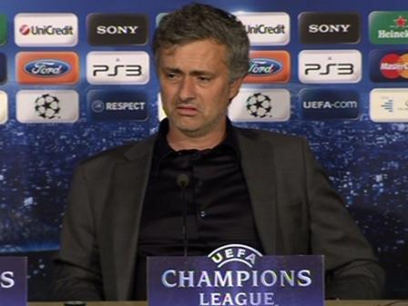 Mourinhok partidaren ostean eskainitako prentsaurrekoa. EFE