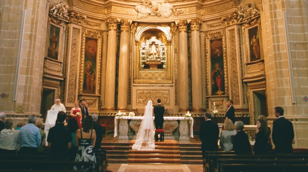An intimate ceremony at San Sebastian's San Maria del Coro Basilica. Photo: Aaron Delesie.