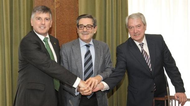 Los presidentes de cajas vascas ganaron en conjunto 1 millón de euros. Foto: EFE