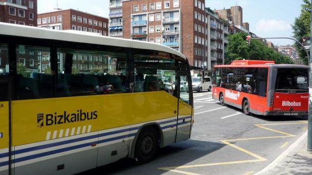 Autobuses de Bizkaibus y Bilbobus. Foto: EiTB