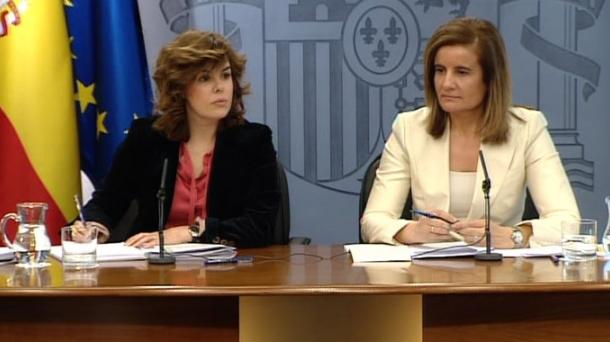 Fatima Bañez and Soraya Saenz de Santamaria. Photo: EITB