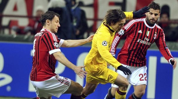 Octavos de final (ida): Milán-Arsenal (4-0). Foto: EFE