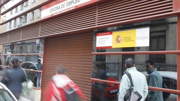 Espainiako langabezia tasa % 24,3koa, eta Europar Batasunekoa, % 11koa.