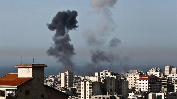 Gazaren aurkako Israelen aireko erasoetako bat.