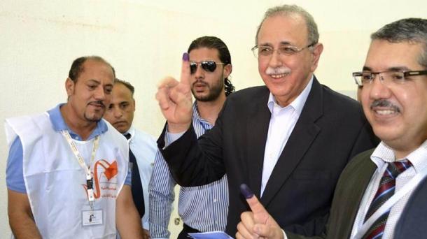 Libiako lehen ministroa, botoa eman ostean.