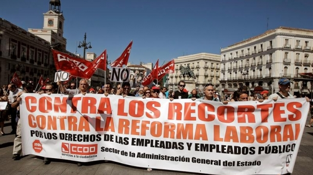 Spanish civil servants took to the streets Friday.