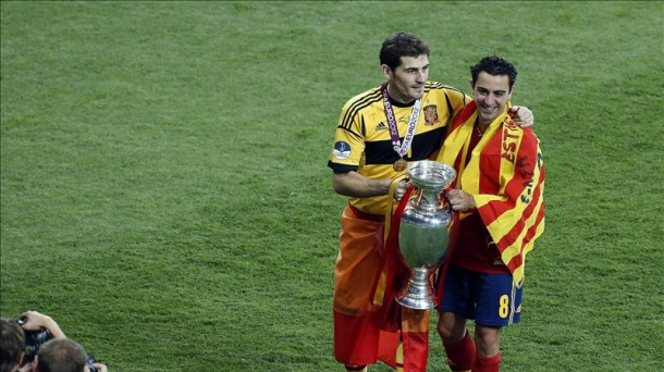 Iker Casillas and Xavi Hernandez during the Eurocup.
