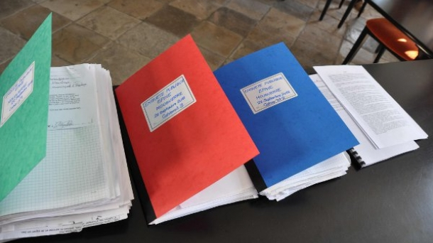 Les registres de l'enquête publique du CADE.