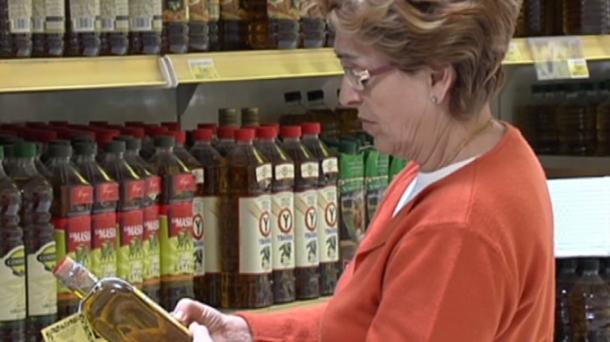 Lista de los aceites de oliva acusados de fraude por la OCU. Foto: EITB