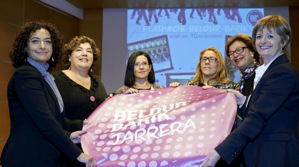 Presentación de la campaña Beldur Barik. EFE