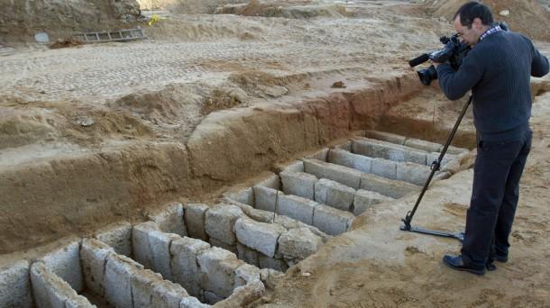 Las tumbas encontradas. Foto: Efe