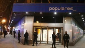 La Guardia Civil entra en la sede central del PP