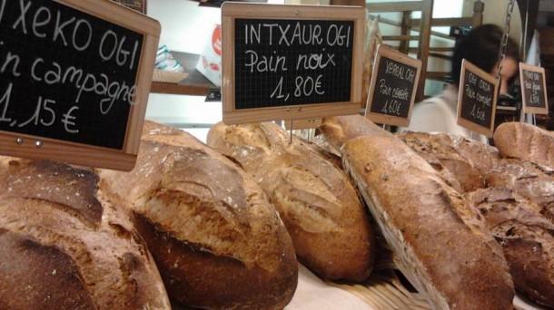La boulangerie Le Four à bois, à Bayonne, rue Pannecau.