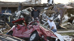 Rescuers seek Oklahoma tornado survivors as area eyes recovery