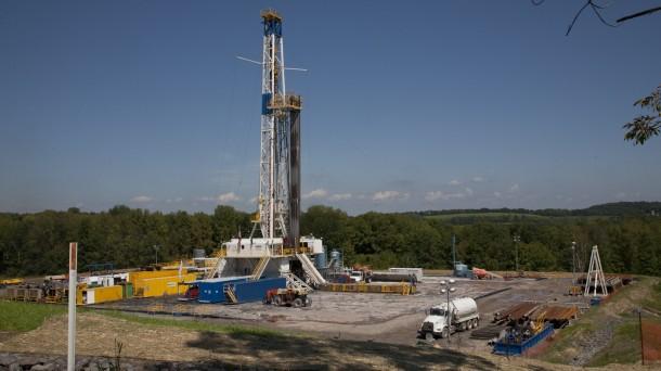 Una planta de 'fracking' para la explotación de gas en EEUU. Foto: cc-by/Bob Warhover.