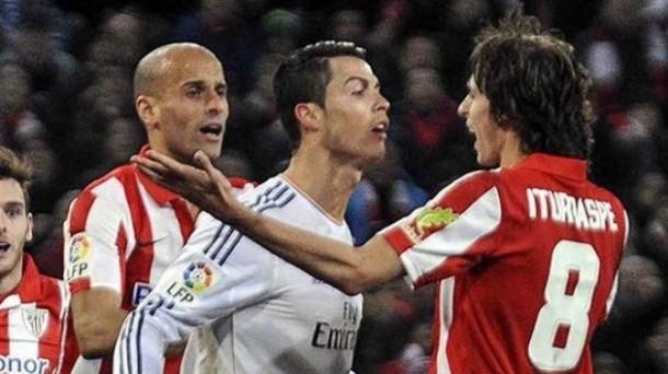 Ronaldo e Iturraspe, cara a cara. Foto: EFE