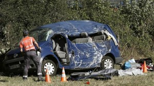 Tres muertos, dos de ellos niños, en un accidente de tráfico en Lantz