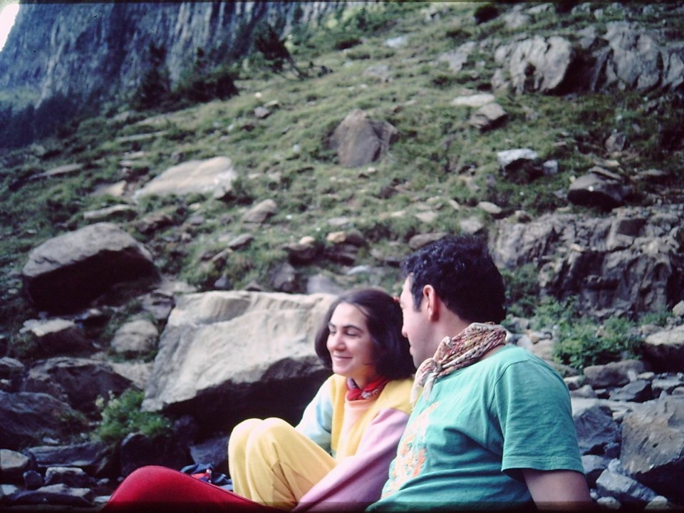 Violeta Lopez eta Jon San Sebastian, lagunekin. 2000ko hamarkada