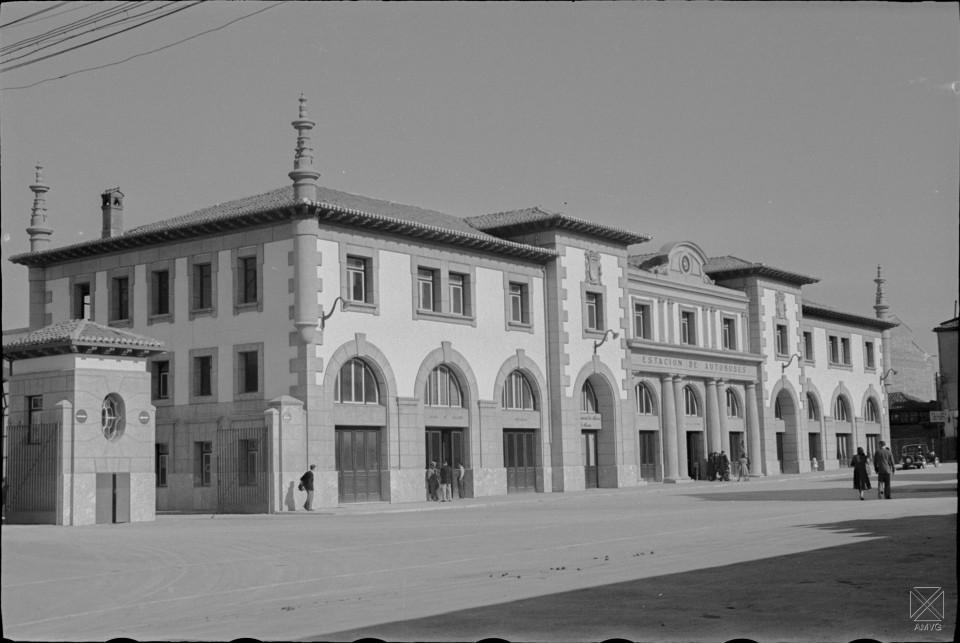 Año 1950. autor JM Parra