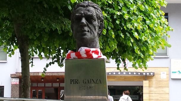 El busto de Piru Gainza, en Basauri