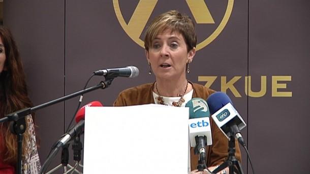 Muebles azkue inaugura oficialmente su planta de azpeitia for Empresa vasca muebles baratos