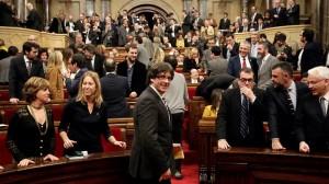 Un tenso pleno aprueba debatir sobre el proceso constituyente