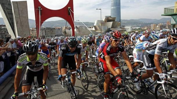 La Vuelta ya pasó por Bilbao. EFE