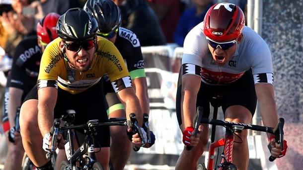 Kristoff supera en meta al líder Cavendish. Foto: Efe.