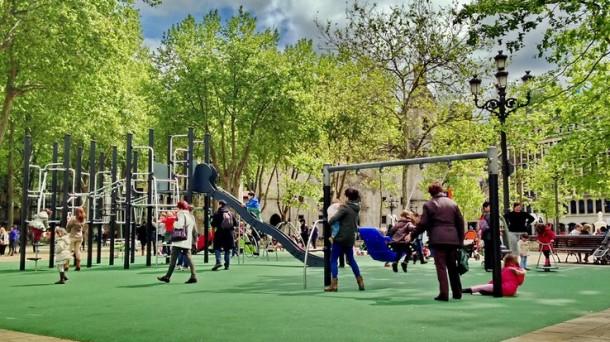 Parque infantil del Arenal de Bilbao. Foto: Carlos Merino.