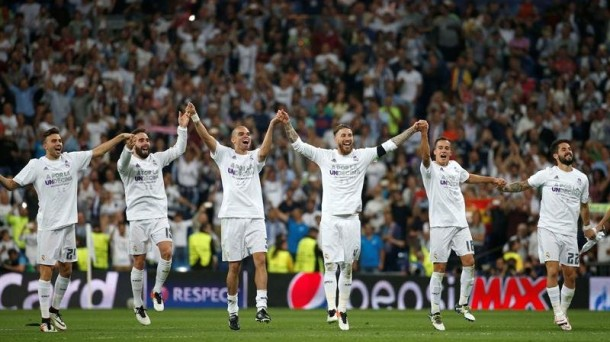 El Real Madrid celebra el pase a la final. EFE