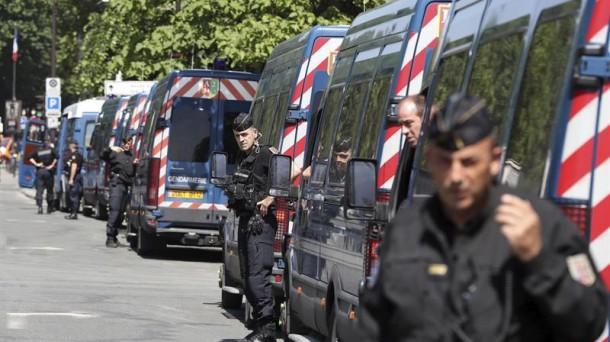 90.000 agentek zainduko dute Frantzia Eurokopak dirauen artean. EFE