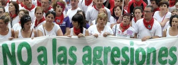 Gaitzespen bilkura Iruña sanferminetako sexu-erasoa concentración repulsa agresión sexual Pamplona. EFE