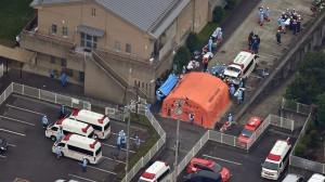 Gizon batek 19 pertsona hil ditu Tokiotik gertu