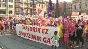 Cientos de personas protestan contra las agresiones sexuales de Bilbao