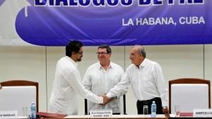Colombia acaricia la paz con el acuerdo final entre Gobierno y FARC