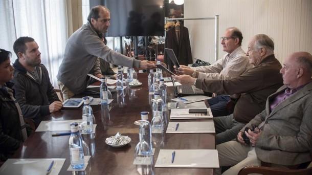 Reunión del GIC y del Foro Social, previa a la cita de Aiete.Foto: EFE.