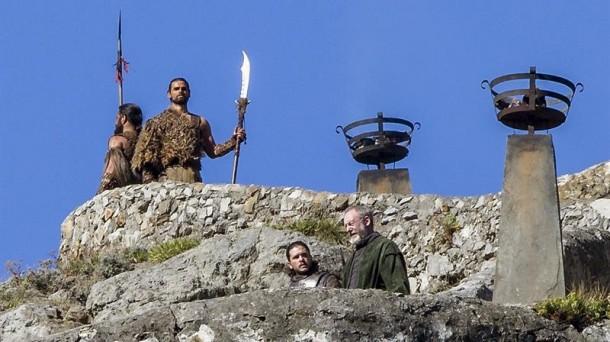 Kit Harington (John Nieve) y Liam Cunningham (Sir Davos), en Bermeo. EFE