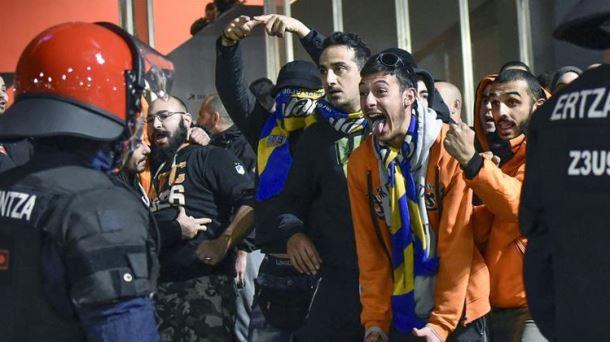 Un ertzaina herido y tres detenidos en Bilbao. Foto: EFE