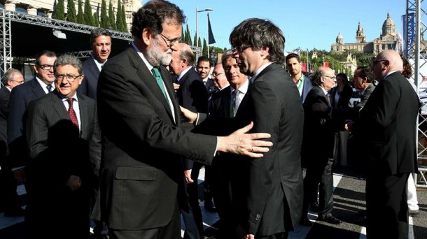 Resultado de imagen de fotos de Rajoy con Puigdemont