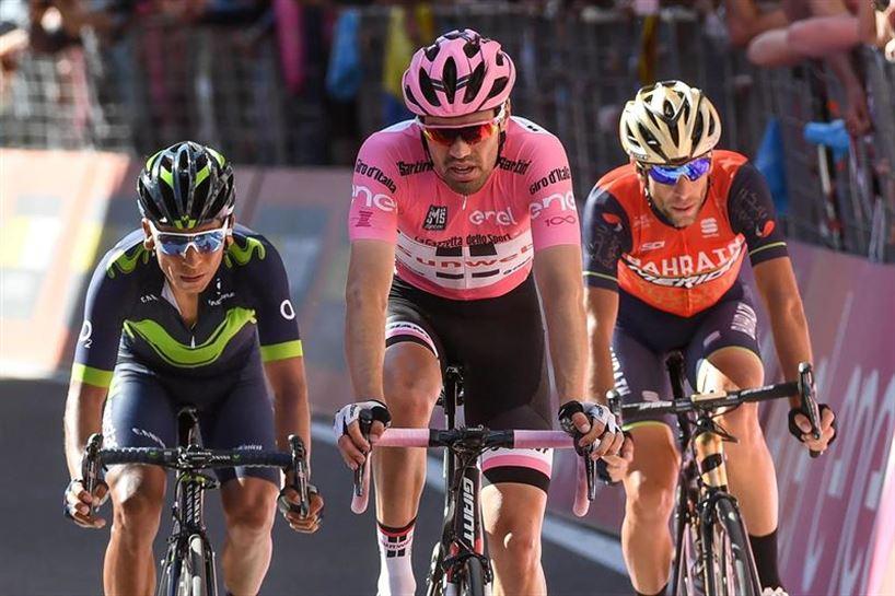 Quintana, Dumoulin y Nibali.